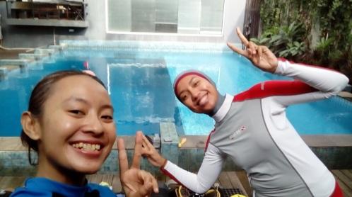Vina, buddy saya dari sejak belajar diving nih :)